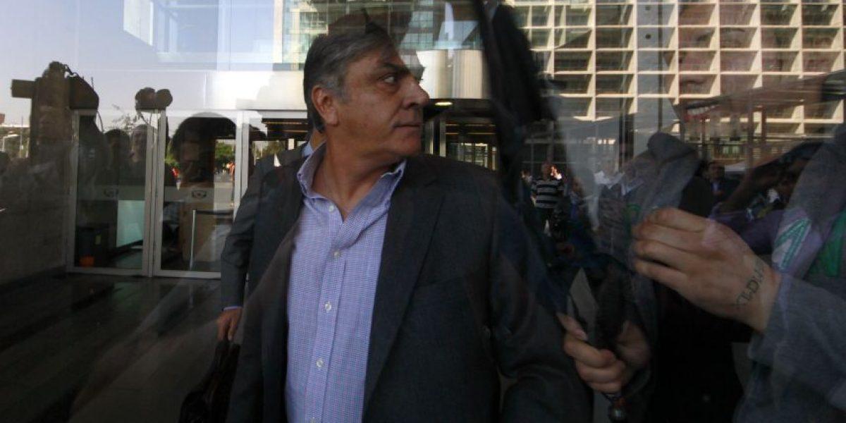 Penta: Longueira comparece por segunda vez y guarda silencio ante fiscal