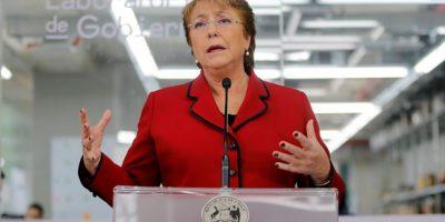 Bachelet responde a críticas de Insulza: los ciudadanos deben ser protagonistas del proceso