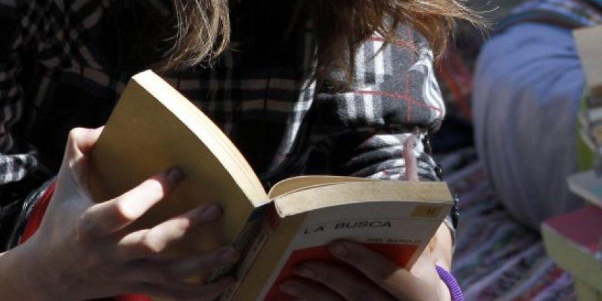 Estudiante de 17 años logra casi 20 mil firmas para pedir a autoridades que se elimine el IVA de los libros