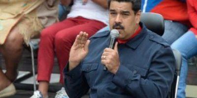 Maduro declara libre el lunes y cambiará horario en Venezuela para ahorrar energía
