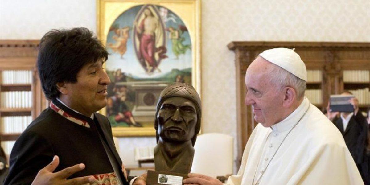 """Evo Morales recomienda al Papa que tome coca: """"Así aguanta toda la vida"""""""