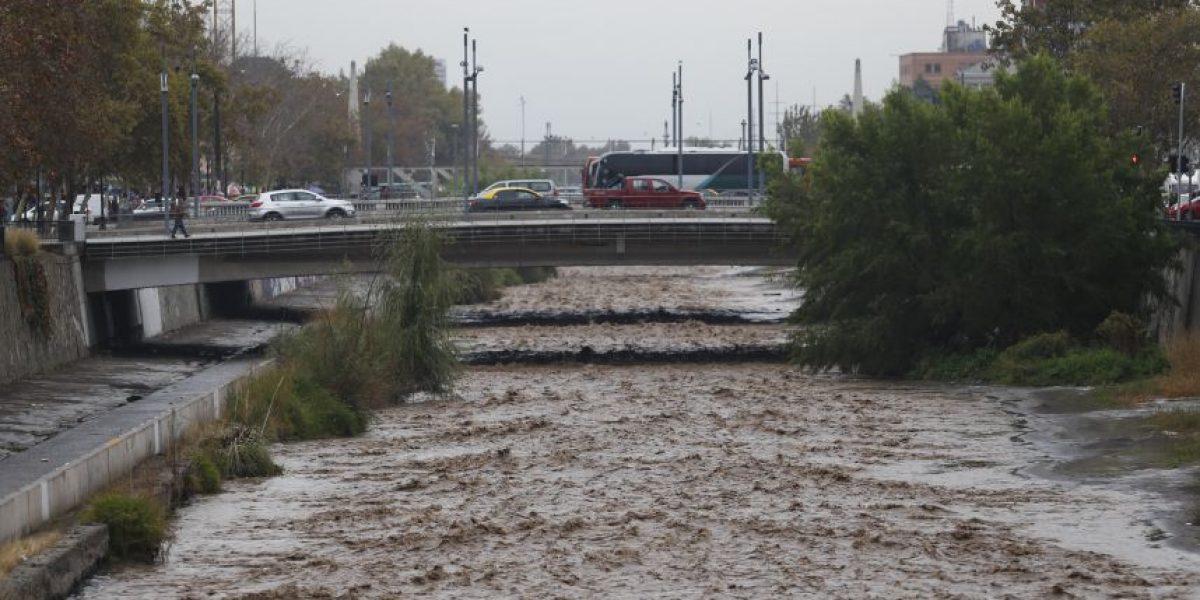 Sistema frontal provoca aumento de caudal del río Mapocho
