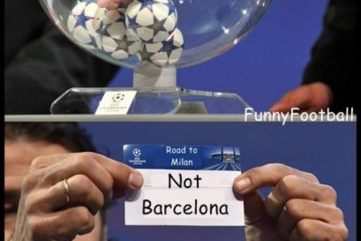 Lo único seguro del sorteo, era que Barcelona no estaría. Foto:Vía twitter.com/troll_football. Imagen Por: