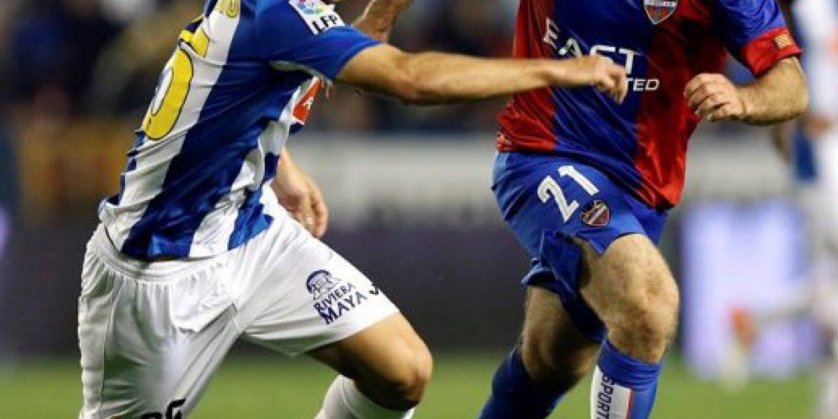 Enzo Roco no pudo evitar una nueva derrota del Espanyol que lo complica con el descenso
