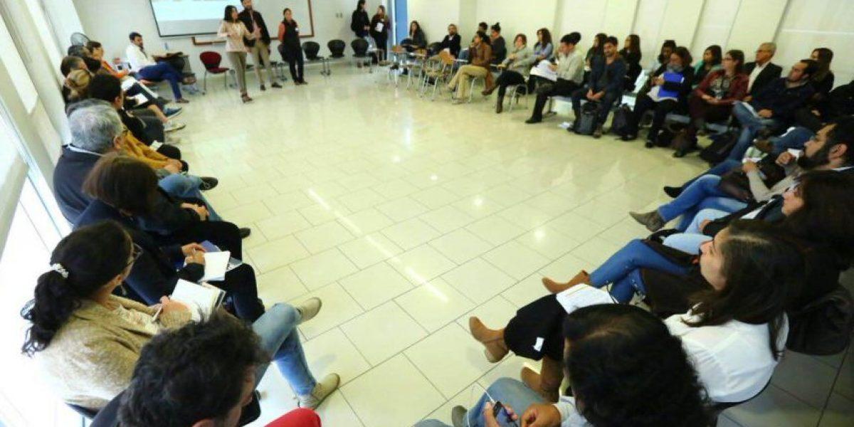 Gobierno entrega nómina de facilitadores para el proceso constituyente