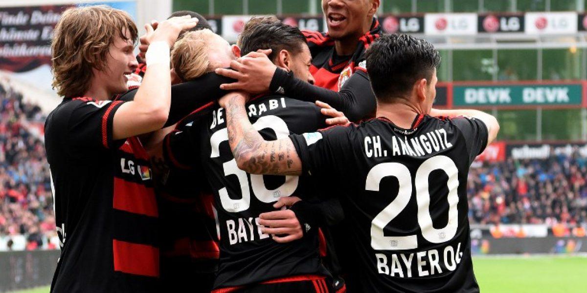 90 minutos y asistencia: Aránguiz fue figura en triunfo del Bayer Leverkusen