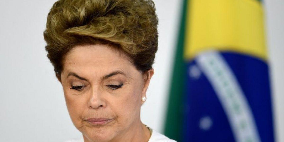 Diputados brasileños decicen hoy si inician proceso de destitución de presidenta Dilma Rousseff