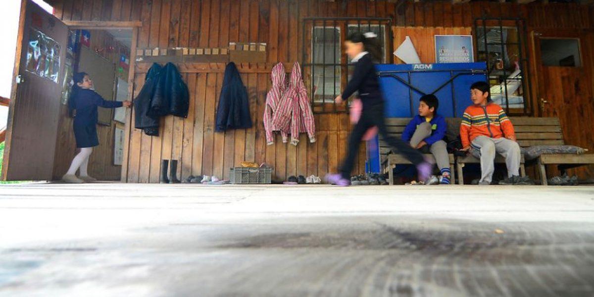 Anuncian suspensión de las clases en 35 comunas de Santiago