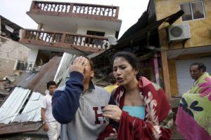 Así amaneció en Ecuador tras el sismo magnitud 7.8 que causó 77 muertes Foto:AP. Imagen Por: