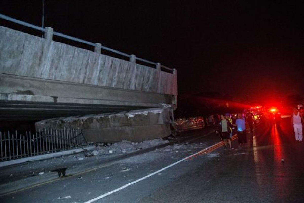 El terremoto se produjo a las 18.58 hora local del sábado, entre los balnearios costeros de Cojimíes y de Pedernales Foto:AP. Imagen Por: