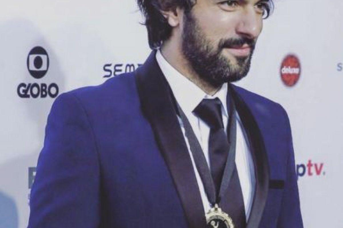 Lo nominaron al Emmy por su papel en la serie policial 'Kara Para Aşk'. Foto:vía Facebook. Imagen Por: