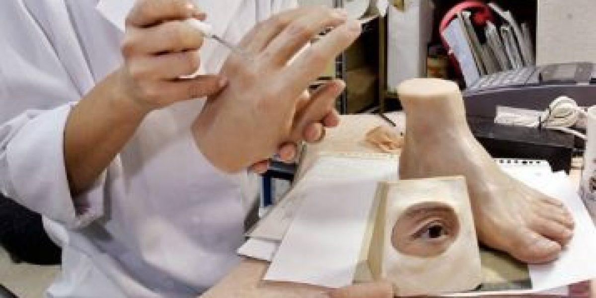 Conoce a la mujer que hace prótesis de dedos meñique para ex miembros de la mafia japonesa