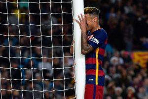 En 2016, el Neymar espectacular del arranque de la campaña se perdió. Este 2016, el jugador ha sido visto de fiesta en fiesta y su nivel ha disminuido drásticamente. Foto:Getty Images. Imagen Por: