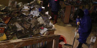 Comerciantes de Santiago piden ayuda al Gobierno tras desborde del Mapocho