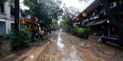 Alcaldesa de Providencia anuncia ayuda a vecinos dañados por desborde del Mapocho