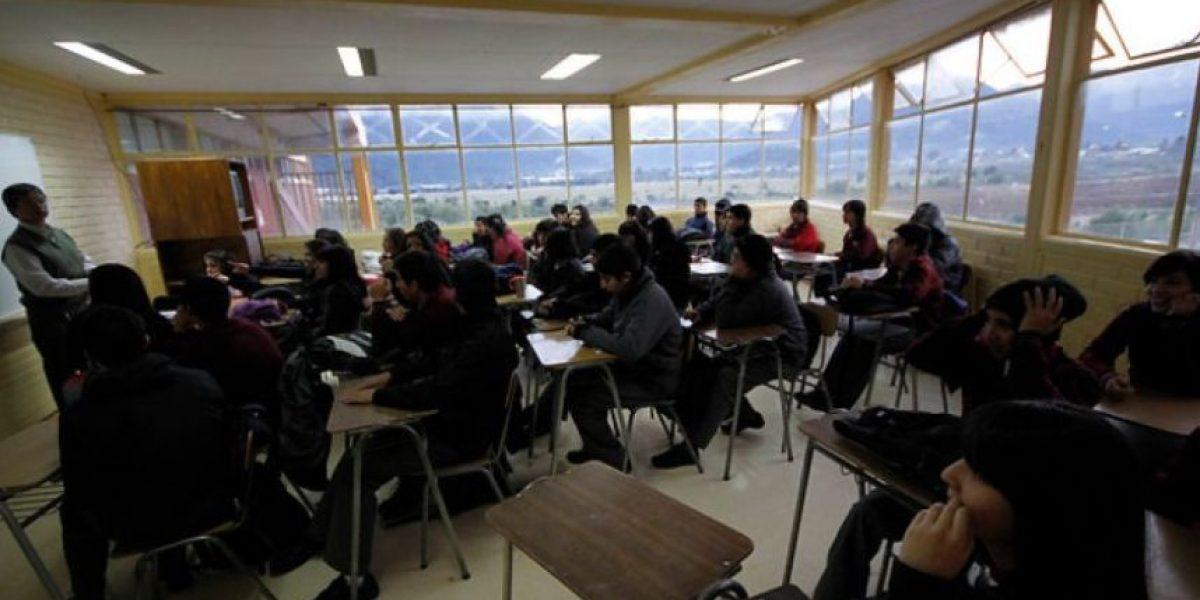 Intendente Orrego anunció que este martes se reanudarán las clases en la Región Metropolitana