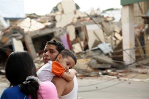 Decenas de edificios colapsaron. Foto:AP. Imagen Por: