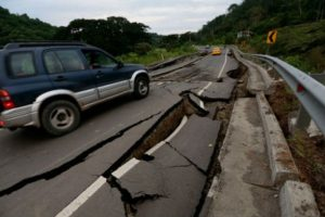 Carreteras y caminos también sufrieron daños. Foto:AFP. Imagen Por: