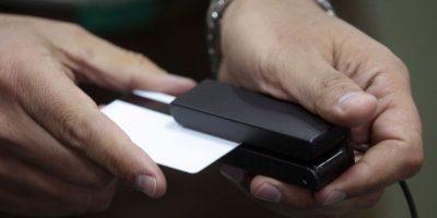 Detienen a sujeto por masivo fraude en Talca: tenía 900 mil tarjetas clonadas