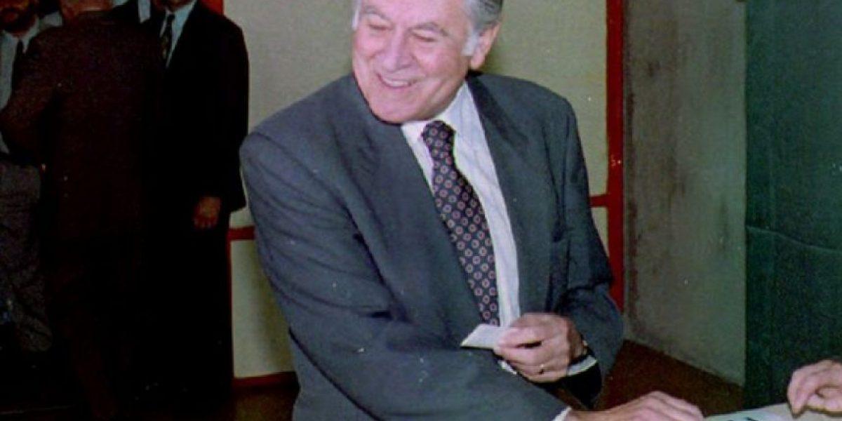 Ex estudiantes recuerdan el primer y gran amor de Patricio Aylwin: la docencia