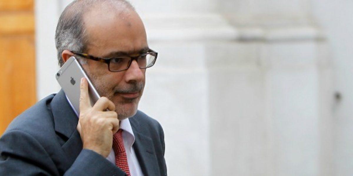 Ministro Valdés y T. Constitucional: