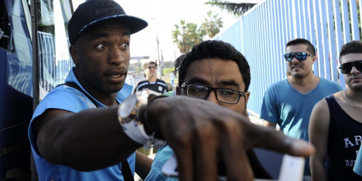 Hinchas que insultaron a venezolano Rentería no podrán ir al estadio en un año