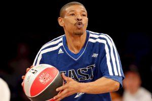Con sus 1.60 metros es el jugador más bajo en la historia de la NBA. Foto:Getty Images. Imagen Por: