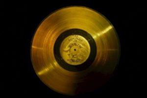 2. El disco de oro de las Voyager Foto:Wikipedia.org. Imagen Por:
