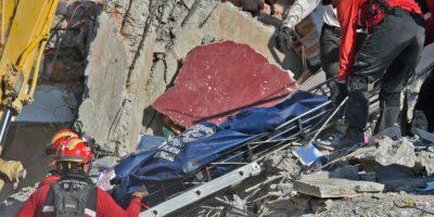 Indignación en Ecuador por alza de impuestos en medio de rescate de víctimas del terremoto