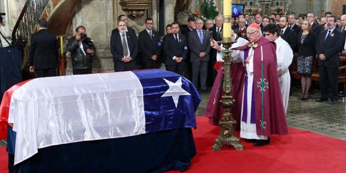 En vivo: sigue el homenaje popular al ex Presidente Aylwin en la Catedral Metropolitana