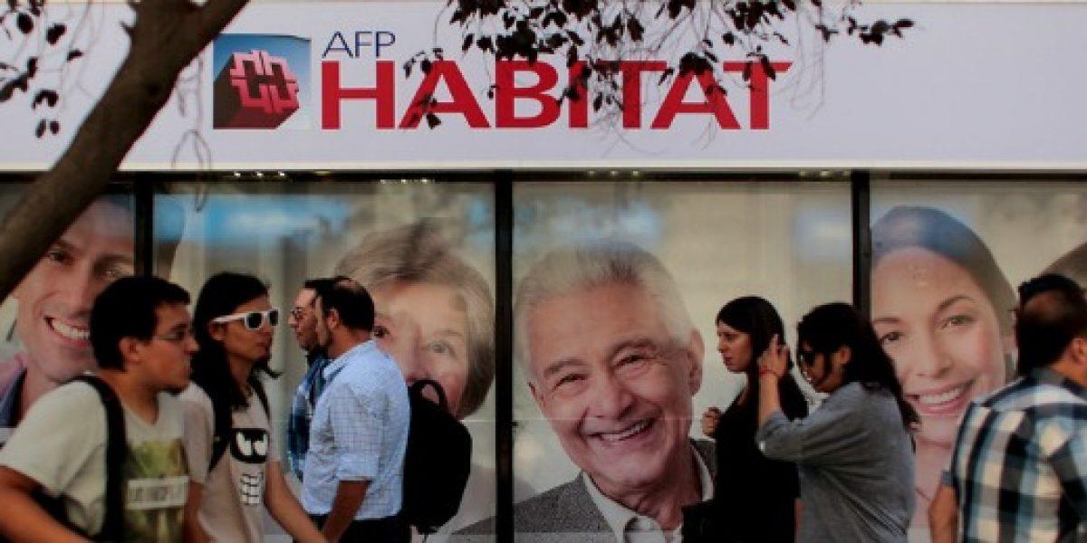Presidente de AFP Hábitat espera que ley peruana de retiro de fondos no se replique en Chile