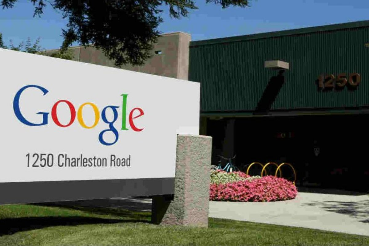 En las oficinas de Google existe un restaurante con cuadros que han pintado los mismos empleados. Foto:Getty Images. Imagen Por: