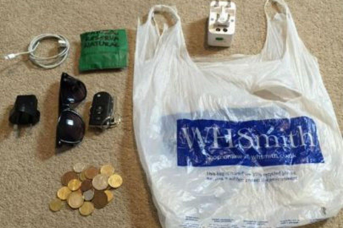 """Al final del viaje, esta era su """"gran"""" maleta. Foto:Vía facebook.com/alexander.caviel.3?fref. Imagen Por:"""