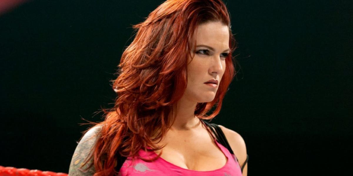 Chyna y cuatro luchadoras legendarias de la WWE que perdieron la vida
