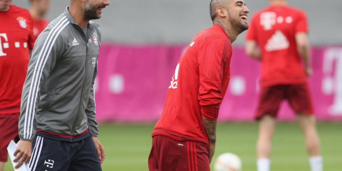 Guardiola descarta sancionar a Vidal por simular escandaloso penal en Copa de Alemania
