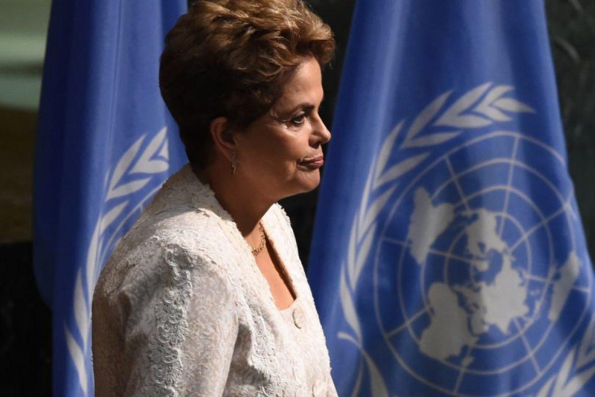Rousseff durante firma del acuerdo de París Foto:AFP. Imagen Por: