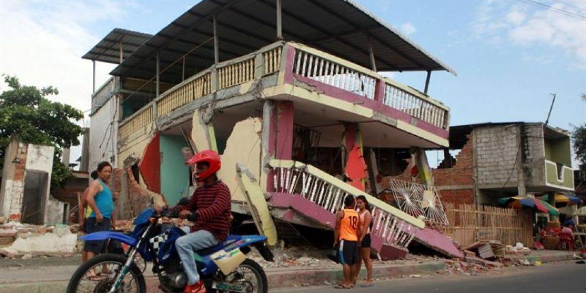 Ecuador: ocho días de luto por terremoto y aumenta a 646 número de víctimas