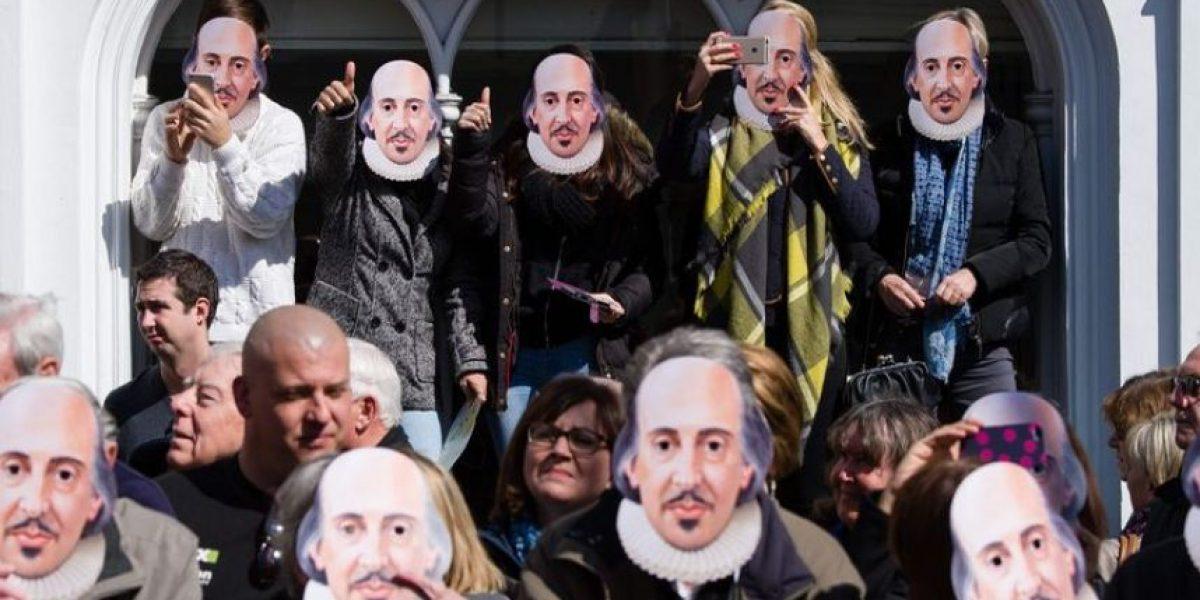 Los británicos rinden tributo a Shakespeare en el 400º aniversario de su muerte