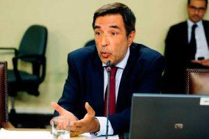 Patricio Santamaría, director del Servel. Foto:Agencia UNO. Imagen Por: