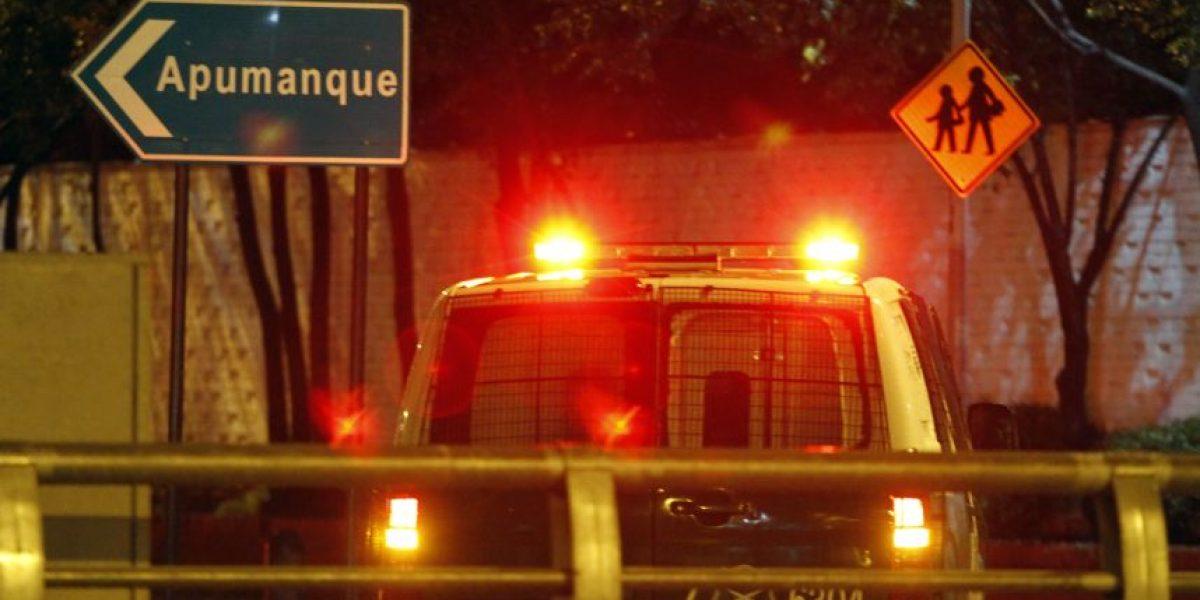 Delincuentes asaltaron esta noche dos joyerías Barón en el Apumanque