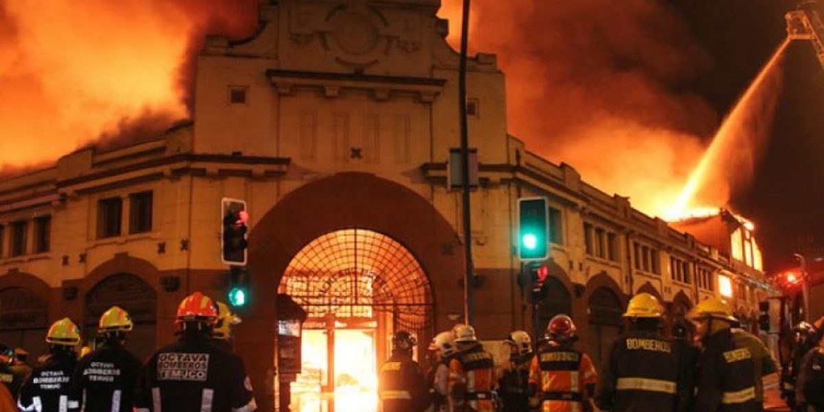 Carabineros confirma causa de incendio que destruyó Mercado de Temuco
