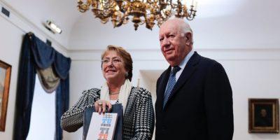 Ricardo Lagos entrega propuesta constitucional a Presidenta Bachelet