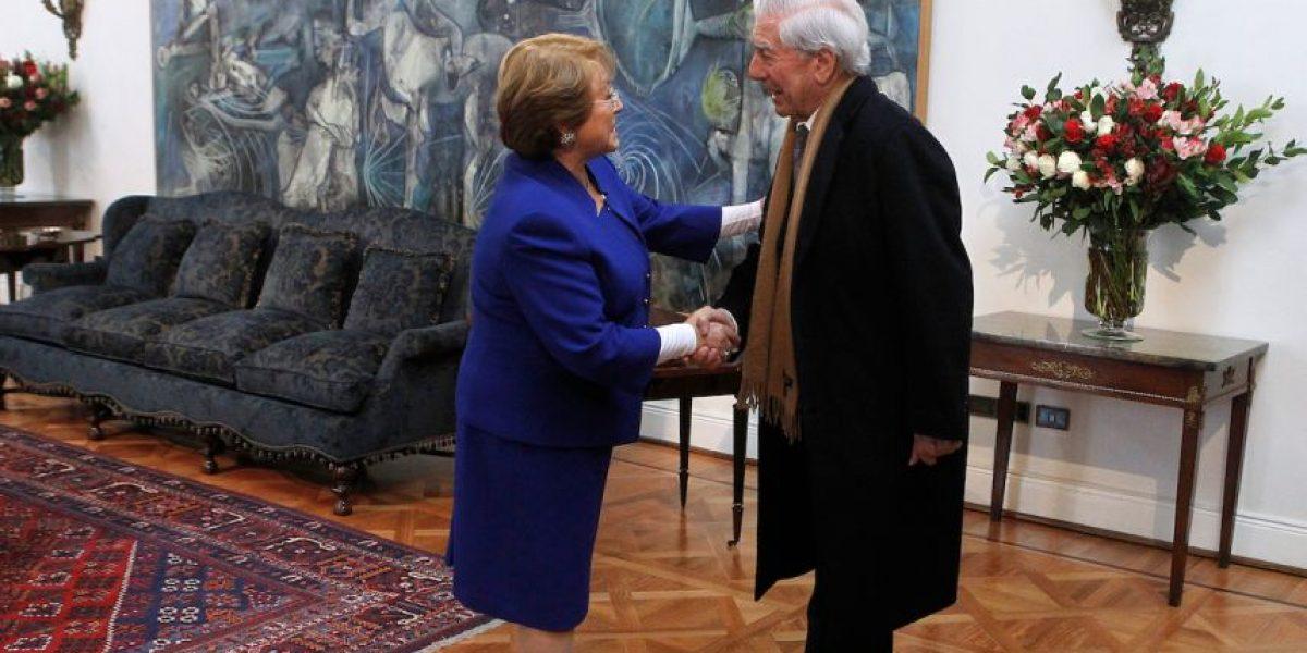Mario Vargas Llosa se reúne con Bachelet y critica opción presidencial de Keiko Fujimori