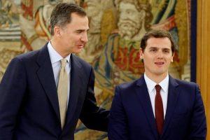 El Rey y Albert Rivera, de Ciudadanos. Foto:Efe. Imagen Por: