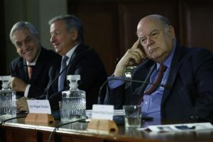 Sebastian Piñera, Felipe Larrain, Jose Miguel Insulza Foto:Agencia Uno. Imagen Por: