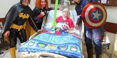 """""""Sonrisas de hospital"""": la promesa de una madre a su hijo que jamás logró recibir un corazón"""