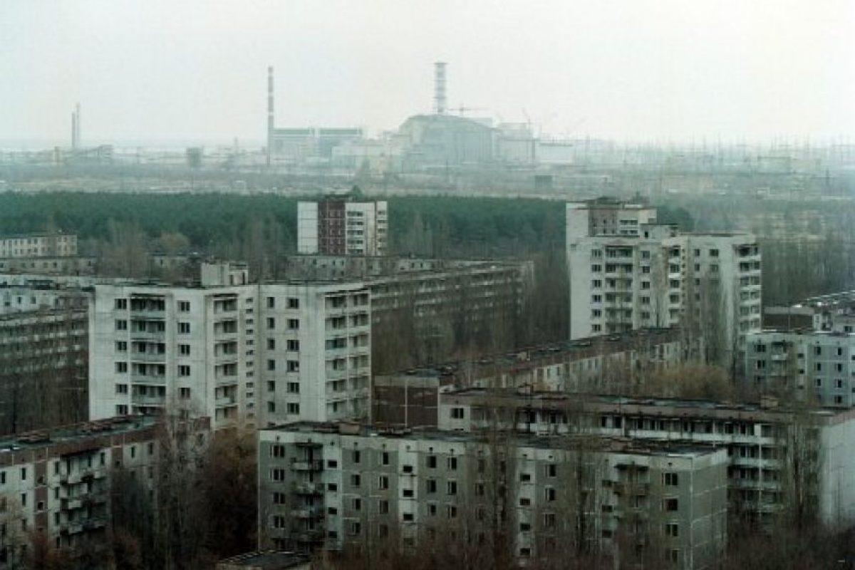 Después del accidente, se inició un proceso masivo de descontaminación aunque se aisló un área alrededor de la central nuclear. Foto:Getty Images. Imagen Por: