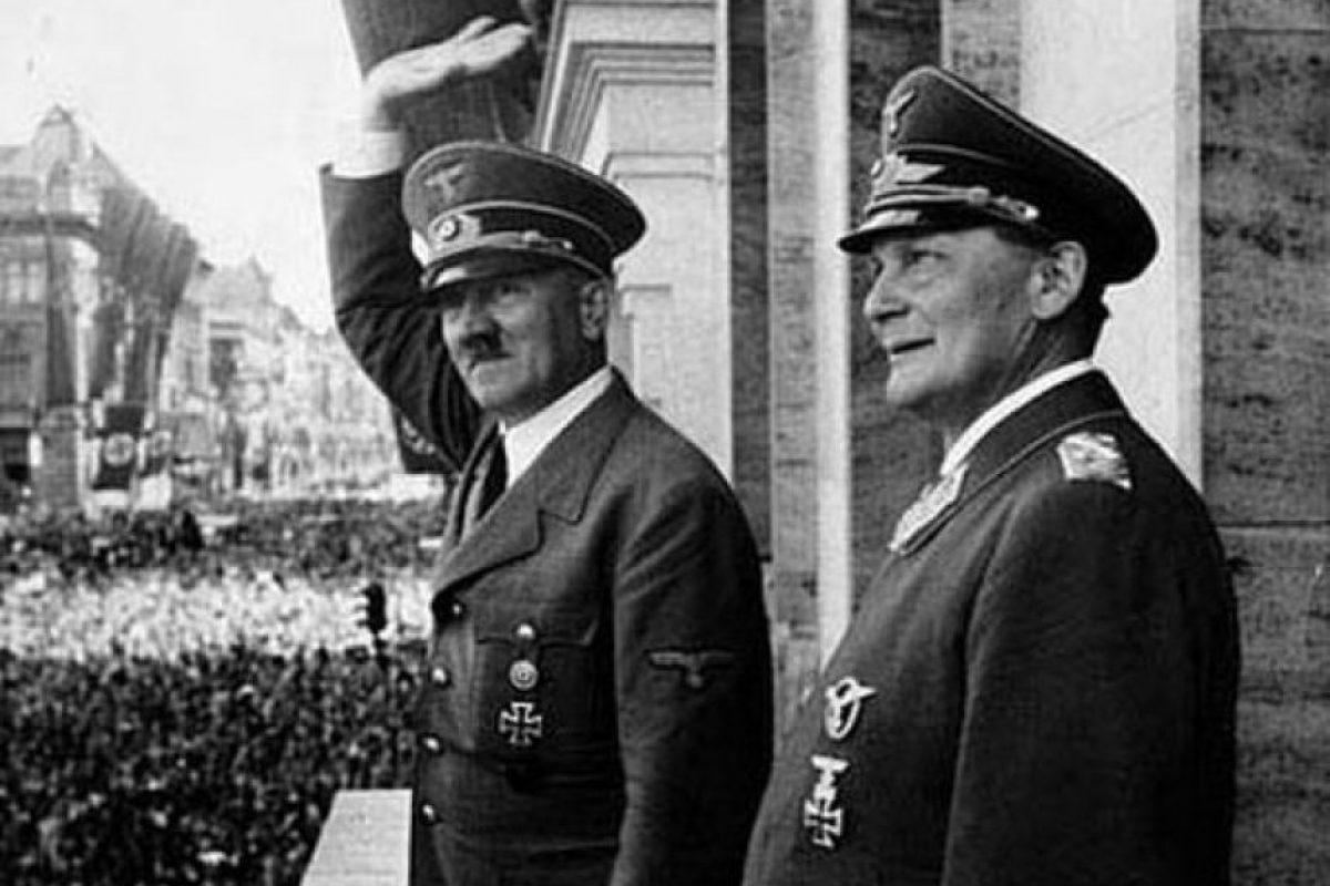 Hitler con Hermann Goering. Foto:Efe. Imagen Por: