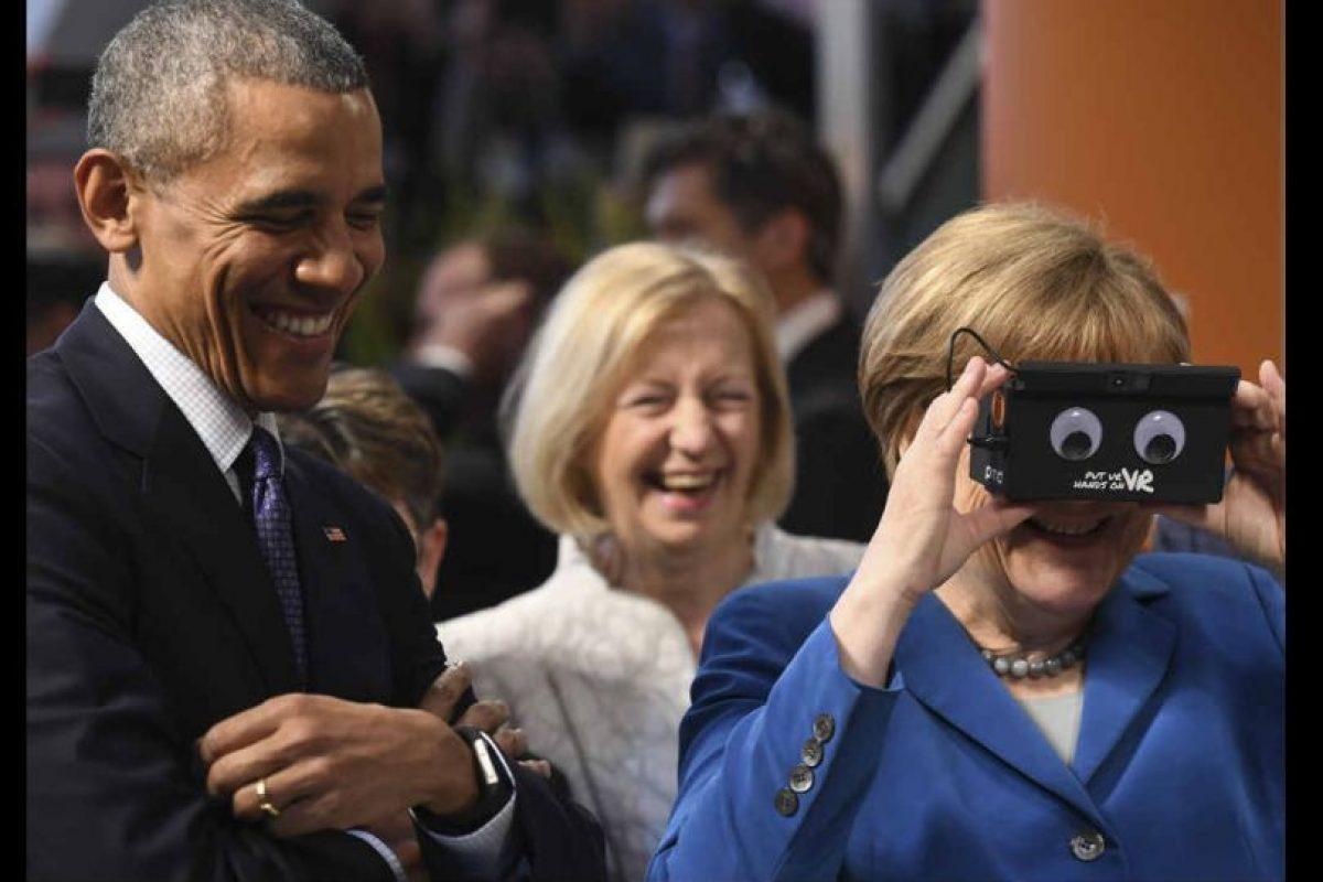 Por lo que muestran las imágenes, los mandatarios se divirtieron con la tecnología. Foto:Getty Images. Imagen Por: