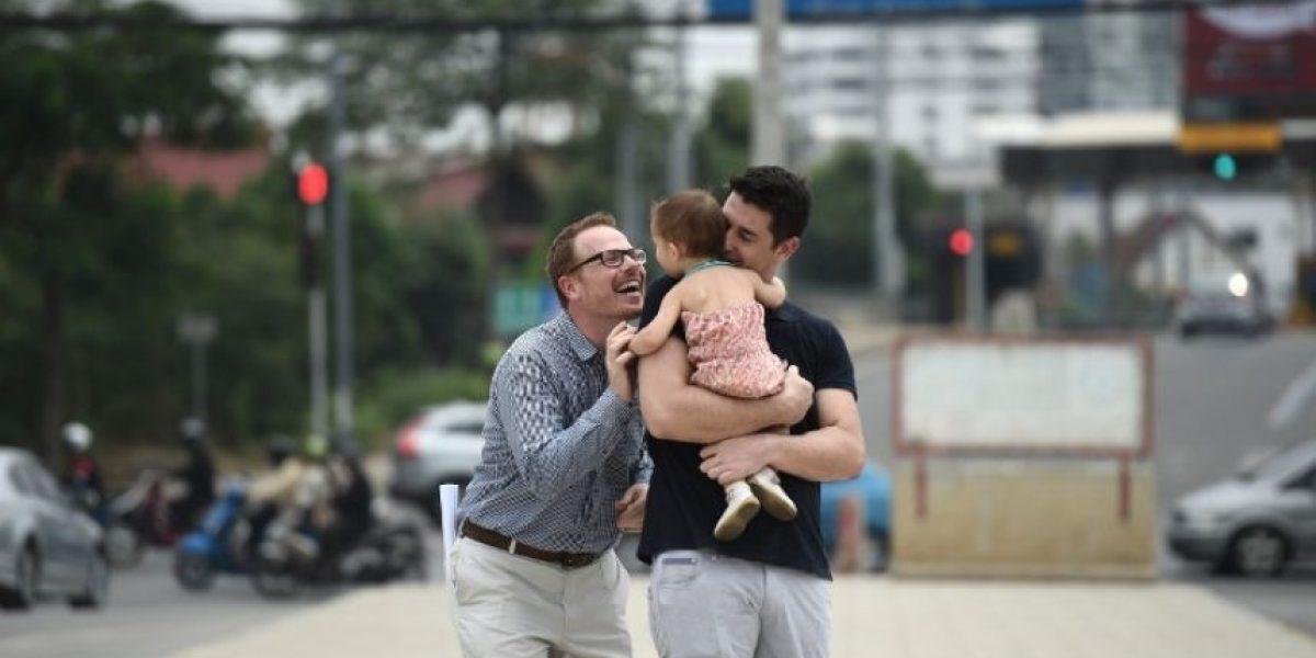 Una pareja gay logra una victoria judicial por su bebé en Tailandia